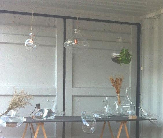 Luminárias de vidro soprado no teto