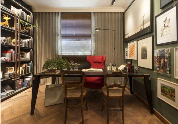escritorio com paredes verdes de Patricia Hagobian