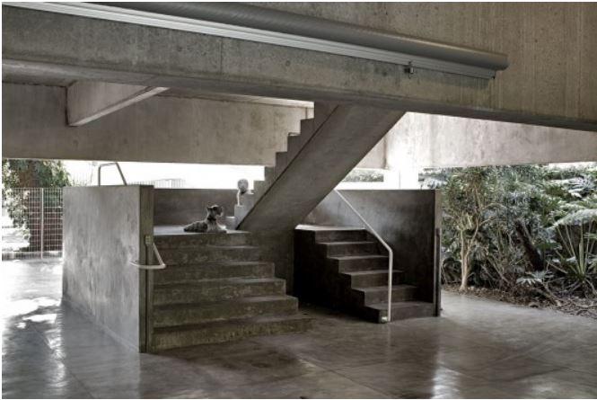 escadas em concreto