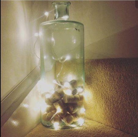 As rolhas que você separou nas comemorações de Natal podem iluminar seu Réveillon !