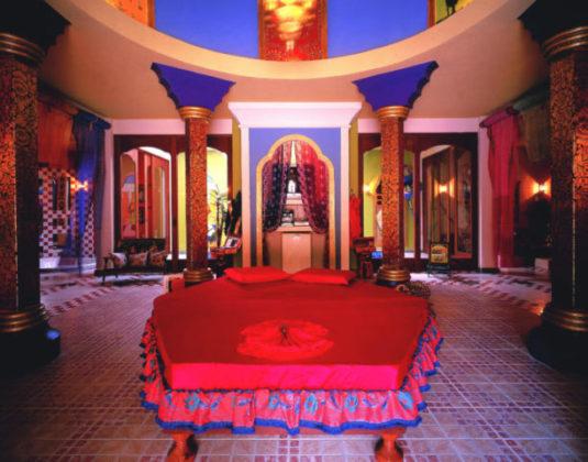 cama vermelha suite motel