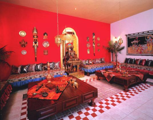 Suite Taj do Motel com móveis de bali
