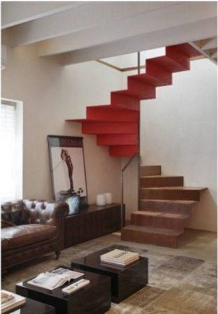 escada vermelha