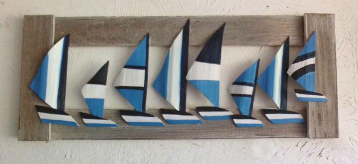 Quadro com barquinhos azuis