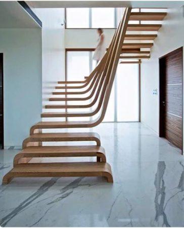 escada com ondas