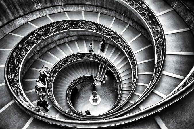 escada em espiral do vaticano