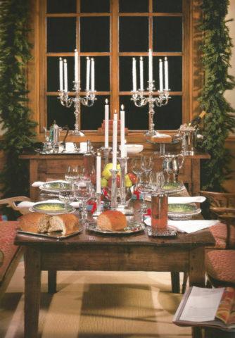 Mesa de natal com candelabros