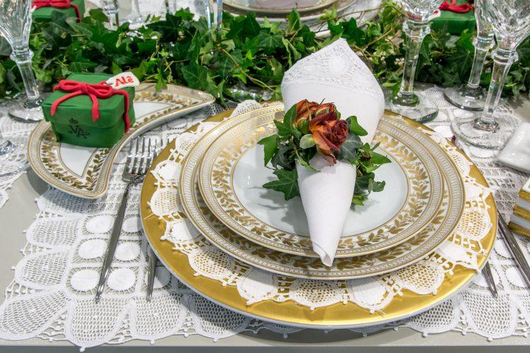 Mesa de Natal com a coleção anna da Vista alegre foto de Julia Herman
