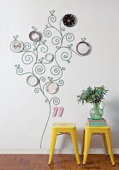 Criatividade no adesivo de arvore com pratos na parede