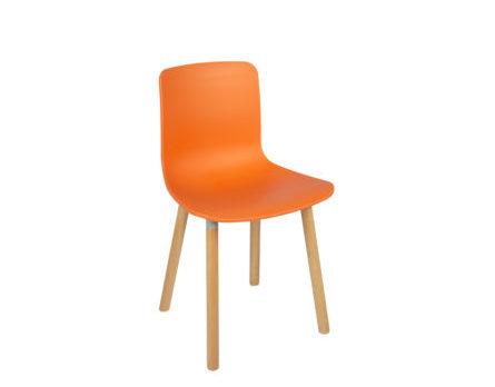 Cadeira Palito laranja.