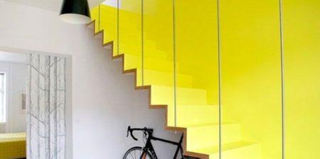 celebrando-o-amarelo-na-conexao-decor-escada-amarela
