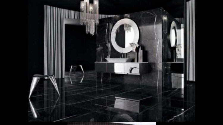 banheiro preto com espelho