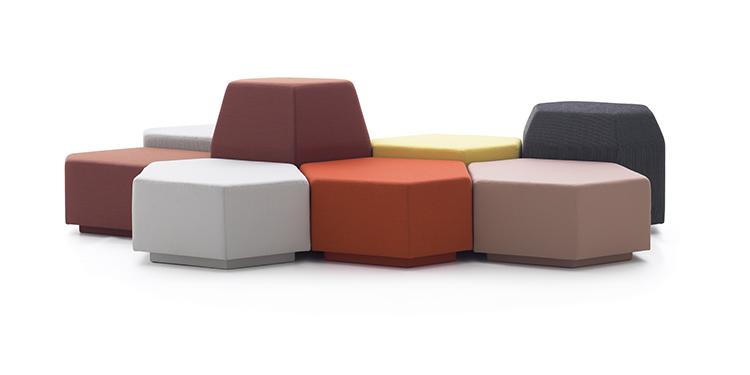 Sofá colorido da OVO