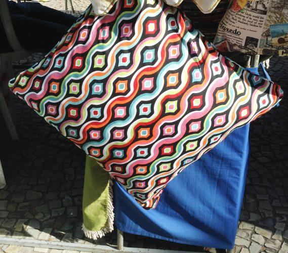 almofadas na praça general osorio
