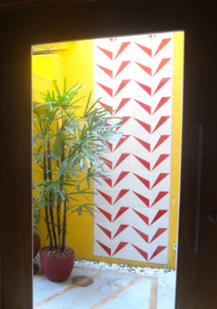 painel vermelho de Antonio Sampaio Doria