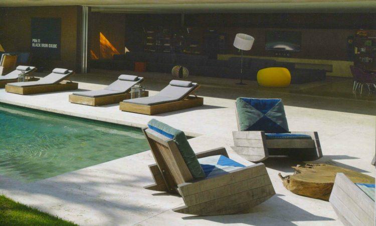 Poltronas de balanço Astúrias, de Carlos Motta cadeira de balanço