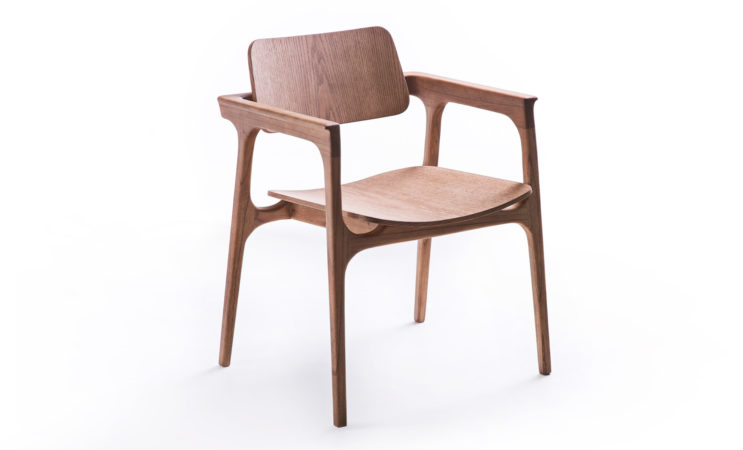 Cadeira Ditta em madeira - do estúdio Nada se Leva para Lider