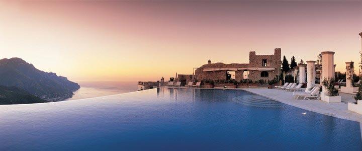 Piscina Hotel Caruso em Ravello, na Costa Amalfi - Itála