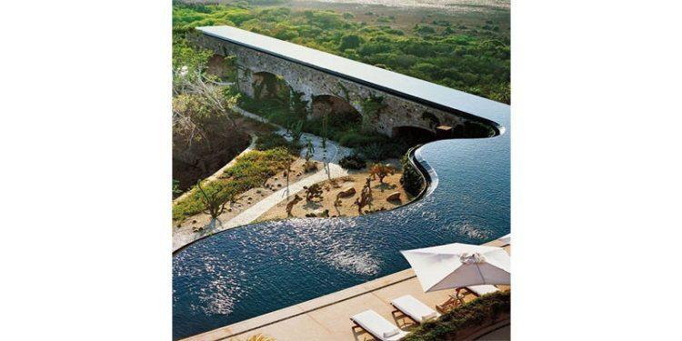 15 piscinas em paisagens paradisíacas