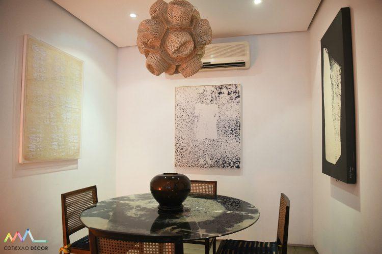 lustre de zemog na sala de jantar de Rudy Meirelles foto de ari kaye conexao decor