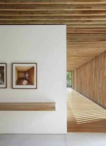 Casa em Itaipava assinada pelos escritórios Bernardes Arquitetura e Jacobsen Arquitetura, foto Denilson Machado