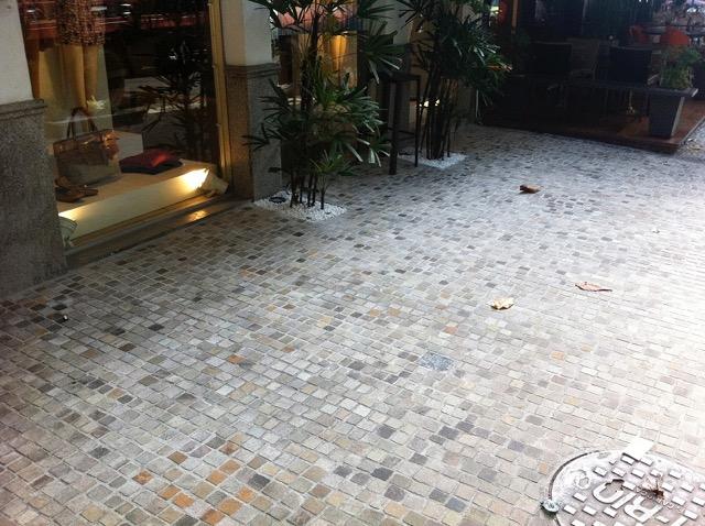 Calçada da Loja Lenny Stonebox