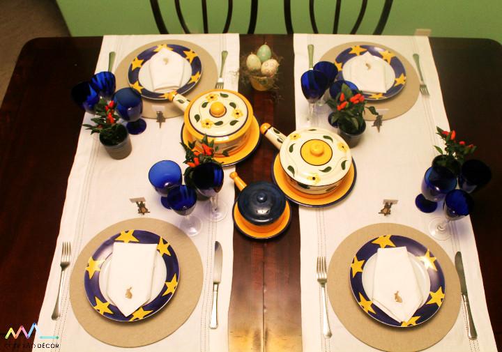 Mesa de Pascoa em azul e estrelas amarelas Foto: Conexão Décor