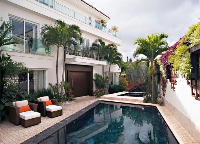 Casa na Jardim Pernambuco de Jairo de Sender
