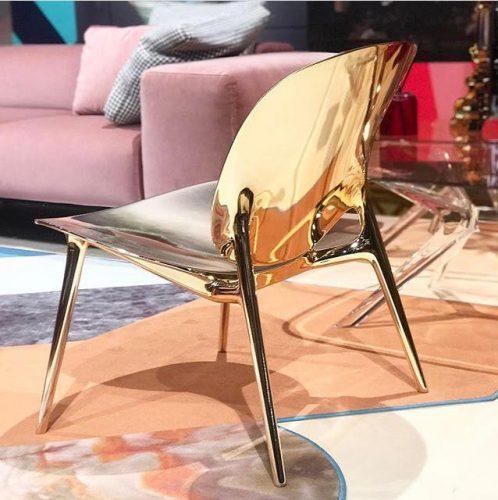 cadeira be bop da kartell na feira de milao