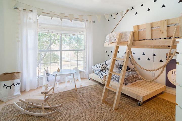 quarto infantil com cama em palete