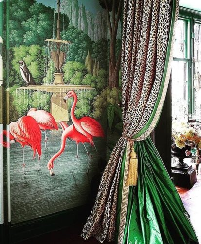 Flamingo na decoração, painel com imagens de flamingo.