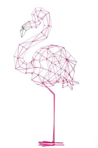 Escultura de um Flamingo em arame
