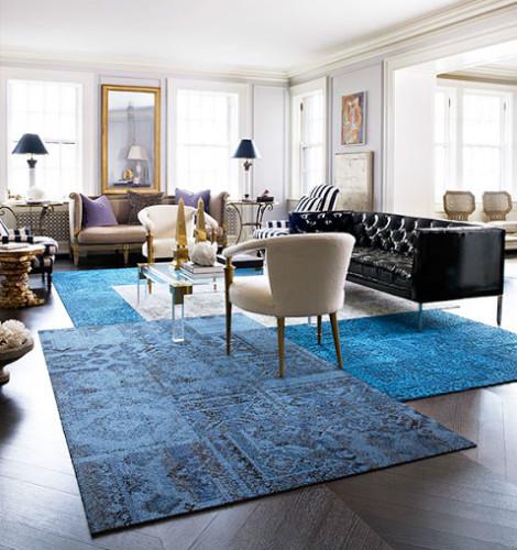 tapetes azuis sobrepostos