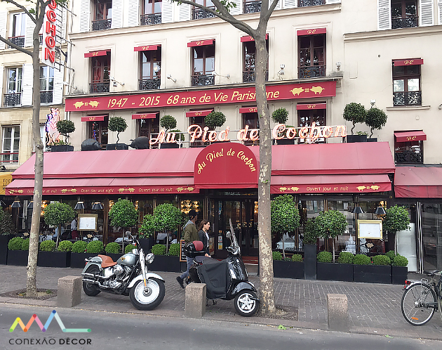 """Restaurante """"Au pied de Cochon"""" em Paris."""