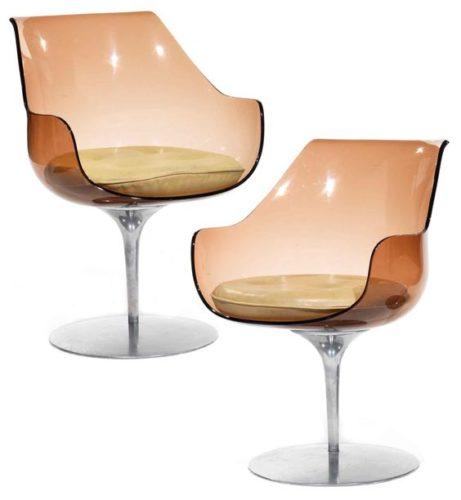 Cadeiras Champagne em acrílico na cor fume.