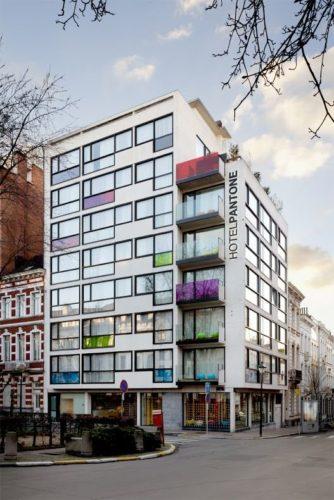 Edifícios coloridos pelo mundo, Hotel Pantone na Bélgica.