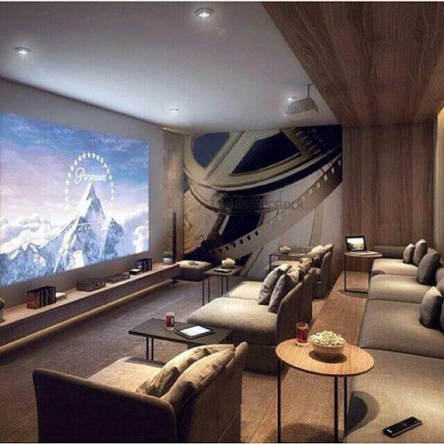 Mesinhas de apoio , ideal para o cinema em casa. Conforto para apoiar os copos e a pipoca.