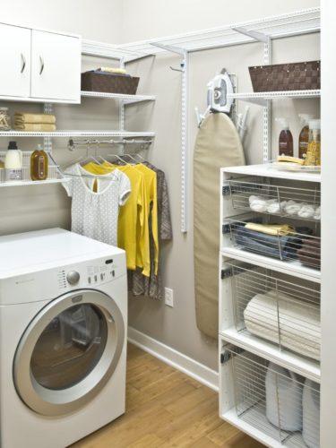 Aramados ajudam muito a deixar sua lavanderia organizada.