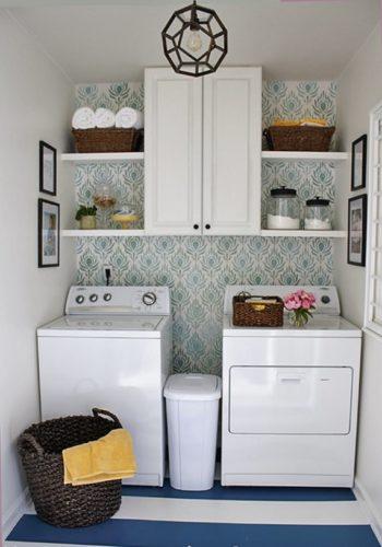 Os armários superiores são fundamentais quando a tampa da máquina é em cima.