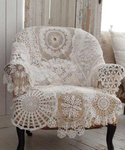 Cadeira com rendas no estilo Shabby Chic