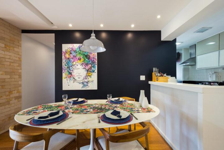 Sala de jantar do apartamento do Recreio com projeto de Paula Werneck