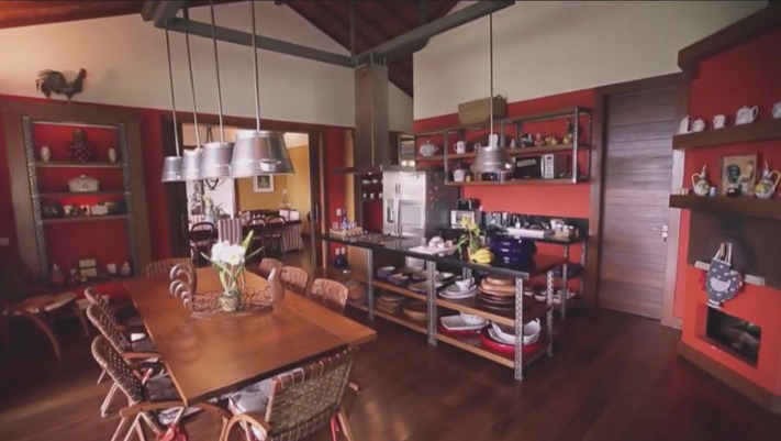 Cozinha de verdade vermelha