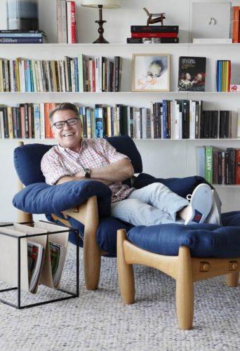 Joao Caetano da Arquivo Contemporâneo na Poltrona Mole