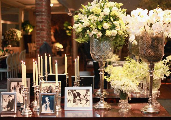 Porta-retratos na decoração de casamento.