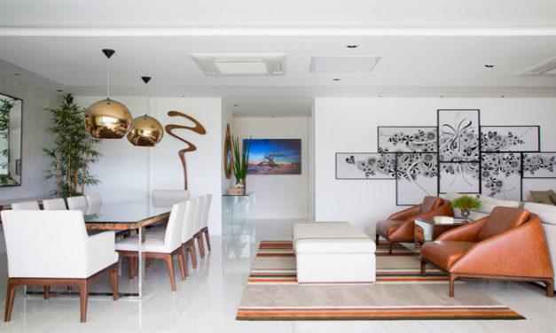 Projeto de Paula Muller traz leveza e conforto no apartamento na Barra