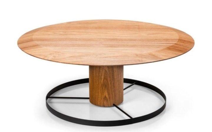 Mesa de jantar 410 da Carbono Design. Mesa de jantar redonda em madeira, tampo e pé central.