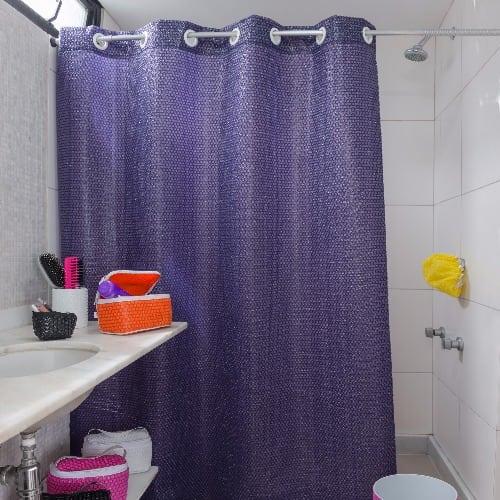 cortina de banho Uau produzida pelo Plastico de Bolha Store