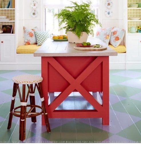 A Design de Interiores e decoradora Alison Kandler. destaque para o piso xadrez nessa cozinha