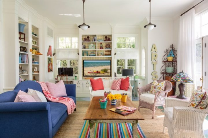 A Design de Interiores e decoradora Alison Kandler. Decoração de uma sala de fazenda em Santa Monica.