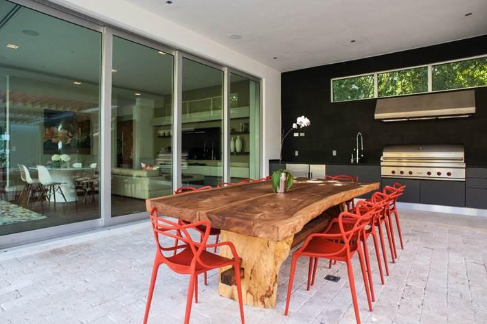 Area de barbecue no projeto de Nayara Macedo em Miami